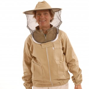 bee suits 014_square_upper